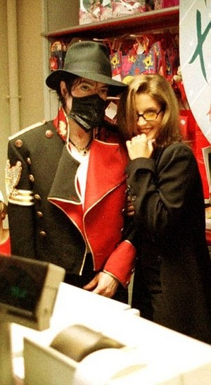 Michael And Lisa Maris Presley On Tour In Londres Back In 1997