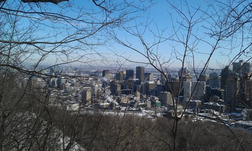 écriture fond d'écran with a business district and a beech entitled Montreal-in-the-winter