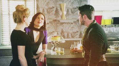 Robin capuz, capa and Regina wallpaper possibly with a jantar mesa, tabela and a brasserie titled Outlaw queen
