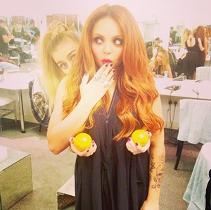 Perrie and Jesy today ❤
