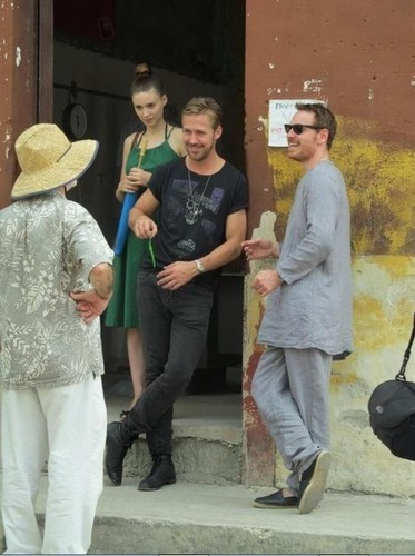 Ryan Gosling wallpaper containing a boater and a fedora titled Rooney Mara and Ryan Gosling on the set of Untitled Terrence Malick Project
