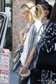 Sarah Spotted at the Brentwood Country Market in L.A. (April 6th, 2014) - sarah-michelle-gellar photo