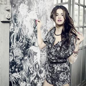 Selena Gomez x NEO Summer Collection 2014