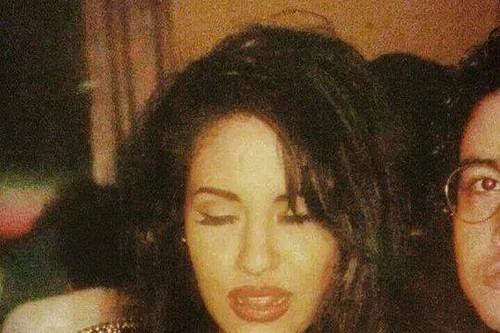 Selena Quintanilla-Pérez wallpaper with a portrait called Selena & Chris ♥