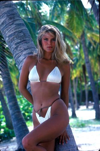 ক্রিস্টি ব্রিঙ্কলে দেওয়ালপত্র probably containing a bikini entitled Sports Illustrated 1980 photoshoot