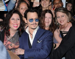 Sweet Johnny with प्रशंसकों at Transcendence Premiere LA (10/04/2014)
