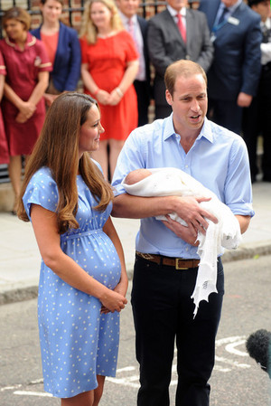 The Newborn Prince of Cambridge Leaves the Hospital