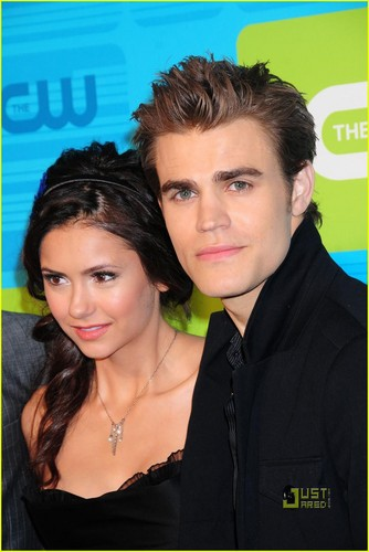 Stelena vs Delena پیپر وال with a portrait called To die for
