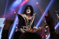 Tommy Thayer - kiss photo