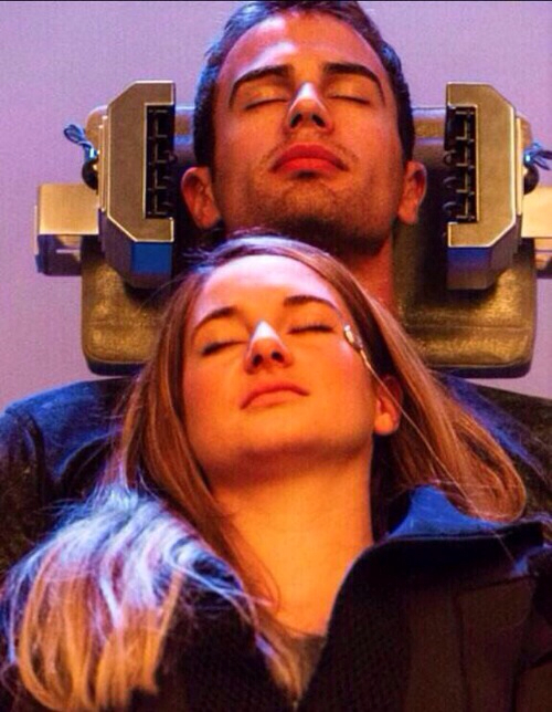 divergent movie tris and four - photo #20