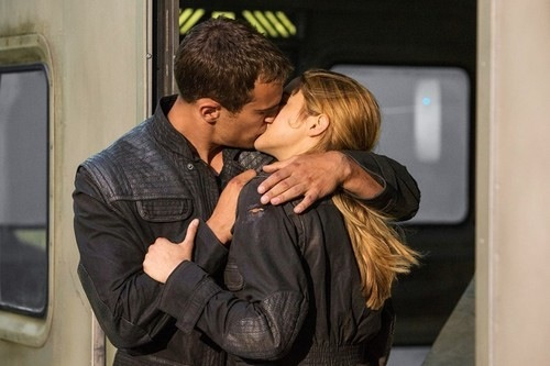 Tris and Four - Divergent Photo (36918408) - Fanpop