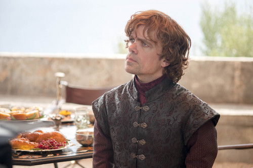 House Lannister wallpaper containing a holiday cena called Tyrion Lannister