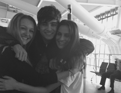 Zayn with his fãs ♥