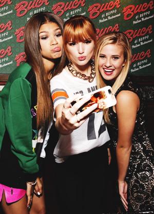 Zendaya, Bella Thorne, and Caroline Sunshine ♥