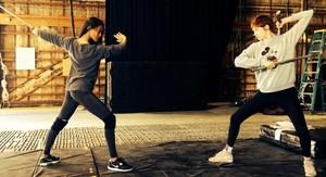 Zoe Saldana & Karen Gillan Face-Off in Rehearsal