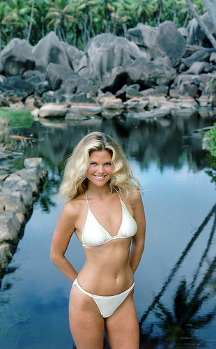 Christie Brinkley wallpaper with a bikini called miscellaneous swimsuit pics