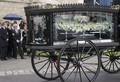 the funeral service for fashion stylist Isabella Blow - celebrities-who-died-young photo
