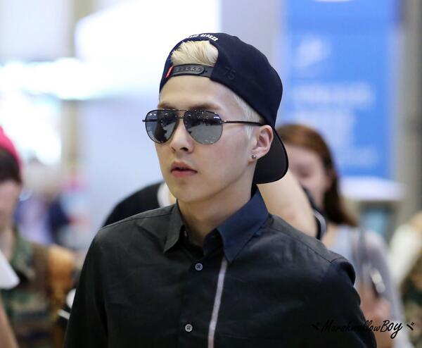 EXO images [HQ] 140505 Xiumin - Incheon Airport arrival ...
