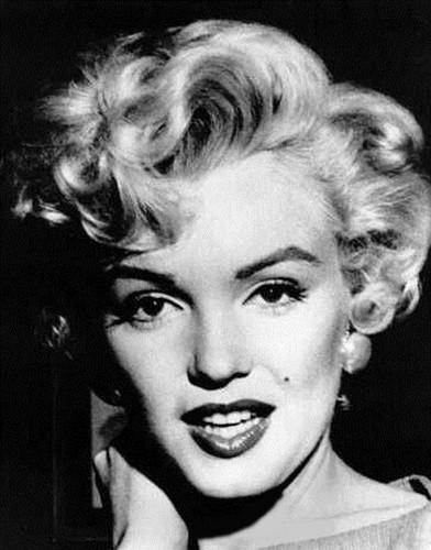 マリリン・モンロー 壁紙 probably containing a portrait called Marilyn Monroe