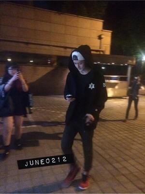 [PIC] 140502 Sehun outside SM Building [cr: june0212]