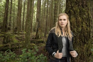 The 100 - HQ Untagged Portraits and Episode 109 Stills