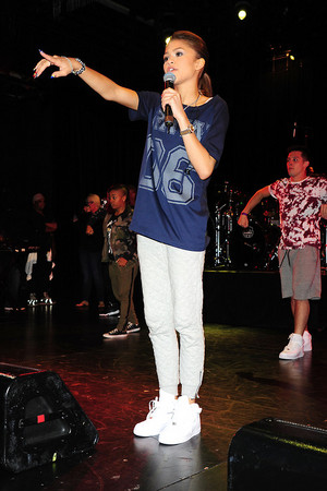 Zendaya performing in Best Buy Theater in NYC (May 2nd)