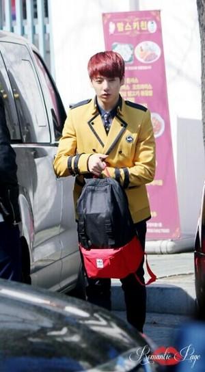 140321 Jungkook otw to School