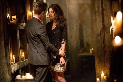 Elijah & Hayley پیپر وال containing a candle called 1x22 Elijah and Hayley