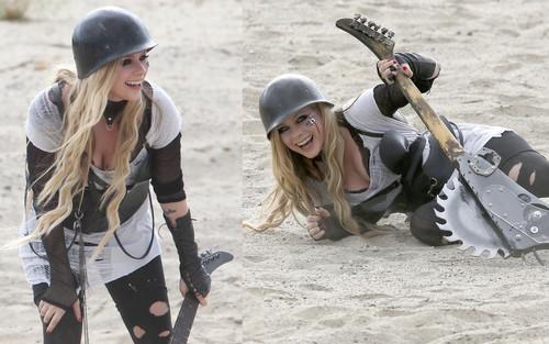 Avril Lavigne پیپر وال titled Avril Lavigne