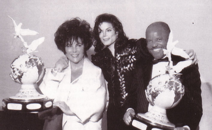 Backstage At The Jackson Family Honors Awards Ceremony Back In 1994