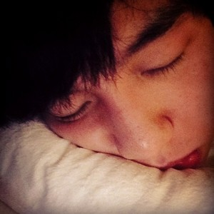 Baekhyun 140519 Instagram Update: eyebrows are growing slowly just like EXO !