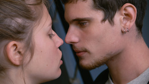 Blue Is the Warmest Color - adele and Thomas