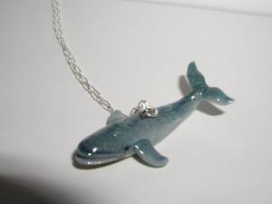 Blue balena collana