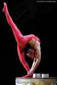 Contortionist doing a stand split