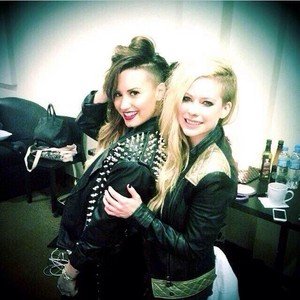 Demi and Avril Lavigne (2014)