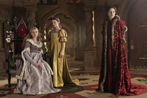 The White reyna BBC wolpeyper entitled Elizabeth Woodville and Anne Neville