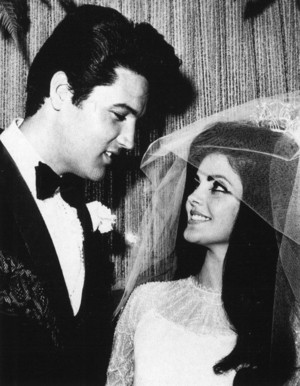 Elvis And Priscilla On Their Wedding दिन Back In 1967