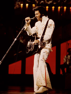 Elvis Presley wallpaper with a concert entitled Elvis Presley - Aloha From Hawaii