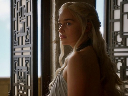 Daenerys Targaryen fond d'écran with a portrait called First of His Name