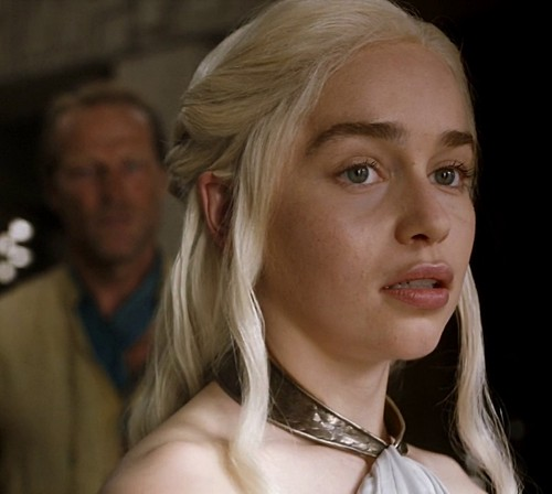 Daenerys Targaryen پیپر وال with a portrait called First of His Name