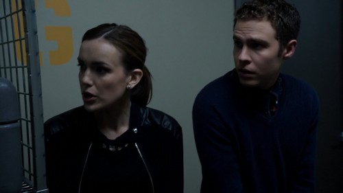 "FitzSimmons Обои with a holding cell entitled FitzSimmons in ""Nothing Personal"""