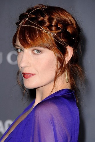 Florence + The Machine Hintergrund probably containing a portrait titled Florence on the red carpet