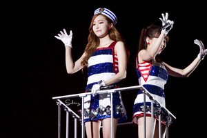 Girls' Generation 3rd Japan Tour - Jessica and Sunny