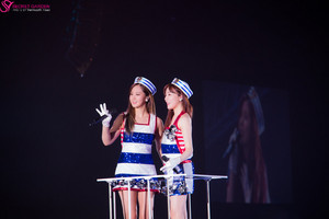 Girls' Generation 3rd Япония Tour - Tiffany and Yuri
