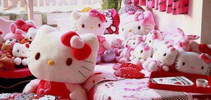 HELLO KITTYYY <333