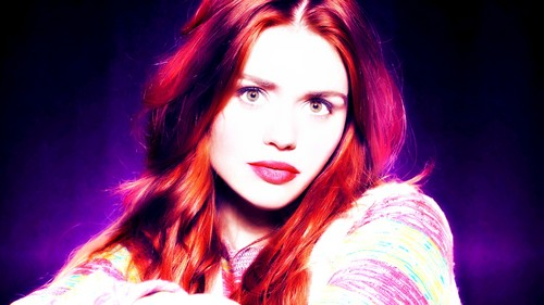 Holland Roden wallpaper possibly with a portrait called Holland Roden