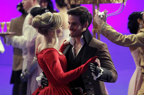 Captain Hook and Emma Swan wallpaper possibly containing a concert called Hook and Emma - 3x21/3x22 - Promo Pics   BTS Pics