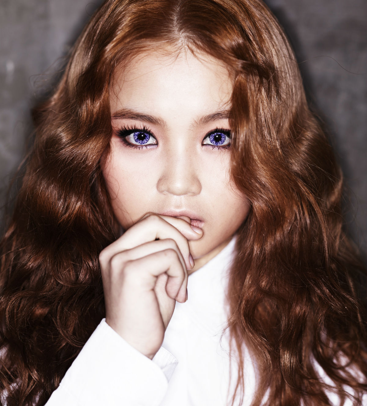 Hi From: Lee Hi Images I Think Her Hair And Eyes Are Different HD