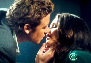 Jane and Lisbon kiss-6x22