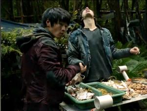 Jasper x Monty in 1x08